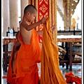 小僧侶更衣
