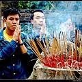 越南文廟  虔誠的人們