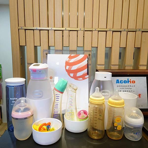 21號店AcoMo奶瓶殺菌器展示區小獅王