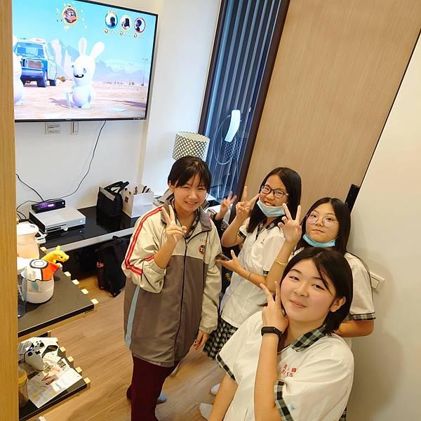 台中21號店AcoMo-XBOX ONE遊戲專區1F