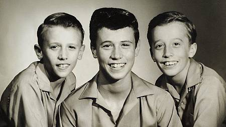 516394-bee-gees-young-photo-carol-ward.jpg