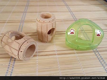 酒桶啃木和三角鼠廁.jpg