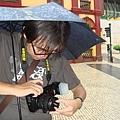 撐著傘也要護著 幾度罷工的單眼