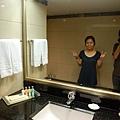浴室 很大喔