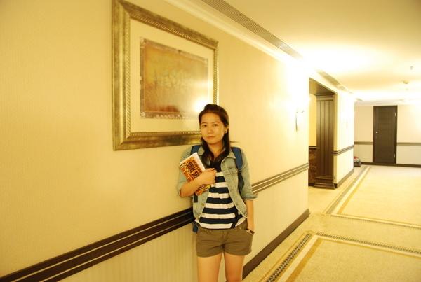 飯店走廊先拍一張
