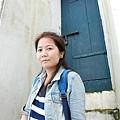 教堂旁的小門