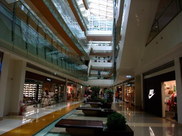 夢時代三樓走廊