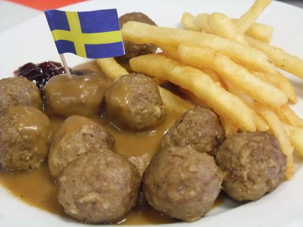 瑞典牛肉丸子+薯條