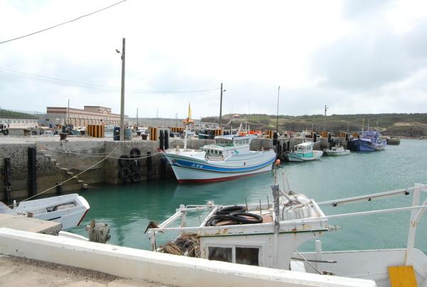 鯨魚洞附近的小漁港