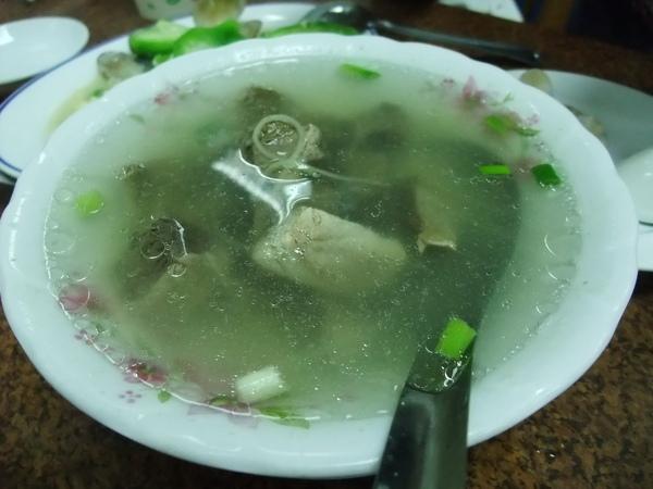 嘉賓餐廳(價錢實惠又好吃,推薦!) - 鮪魚湯