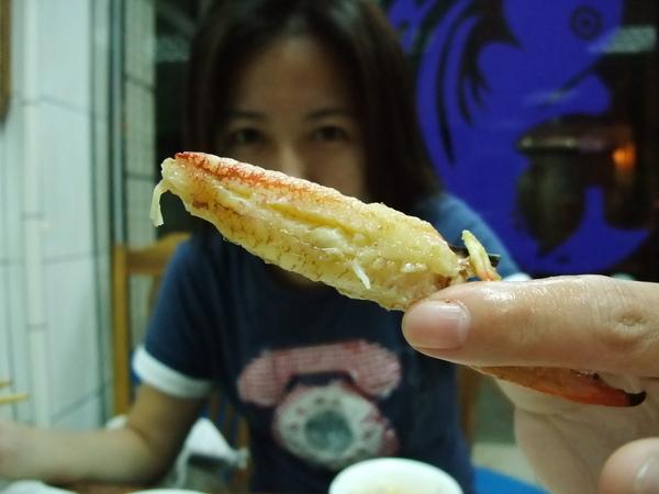 嘉賓餐廳(價錢實惠又好吃,推薦!) - 肥美的蟹管肉