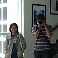看見大鏡子,就是該是自拍合照時間了
