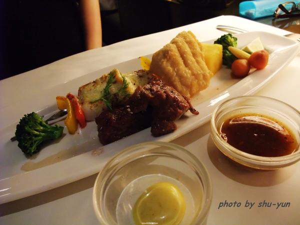 主餐/西西里海陸雙拼〈牛+海鮮〉