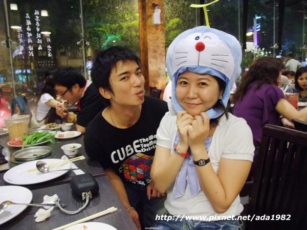 仕承 and SHU-YUN(我戴這帽子還滿適合的喔...哈)