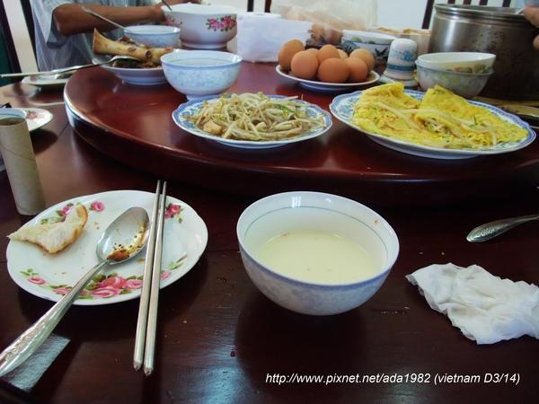 在越南的日子, 每天都是這樣的早餐, 每天喔...