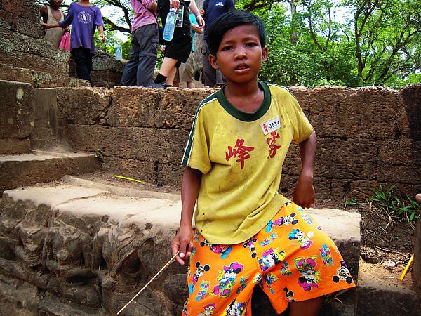 台灣霧峰國小的運動服還真的出現在柬埔寨呢!!!