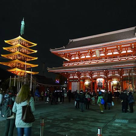 晚上的淺草寺很漂亮