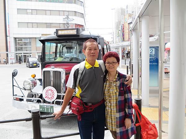 後面就是今天一整天都可以搭乘的小江戶川越巡迴巴士