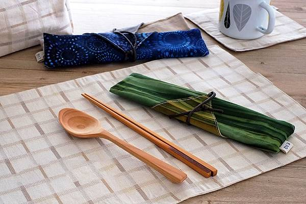 eiq-enviroment-dinnerware-bag-notbadshop-wood-spoon-chopsticks-2.jpg