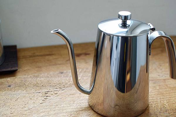 KINTO-SLOW-COFFEE-SCS-bottle-05.jpg