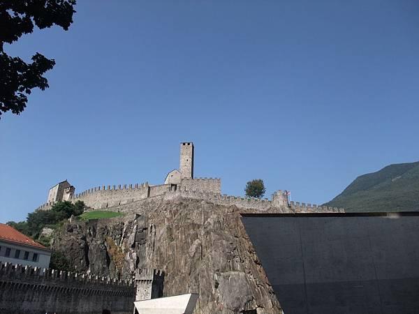 貝林佐納的古堡