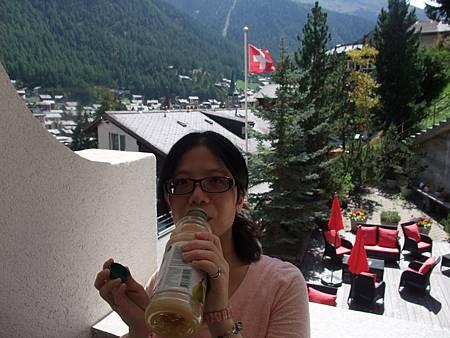 飯店內享用好喝的果汁