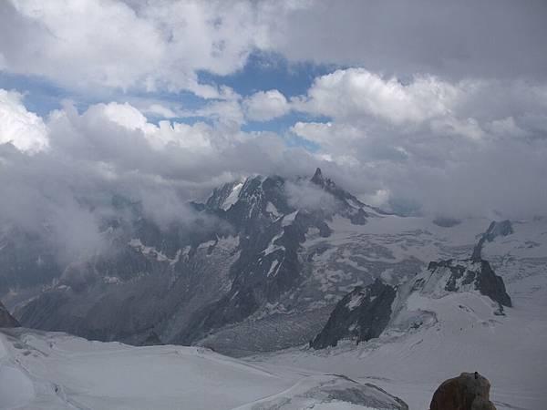 南針峰外的景色2