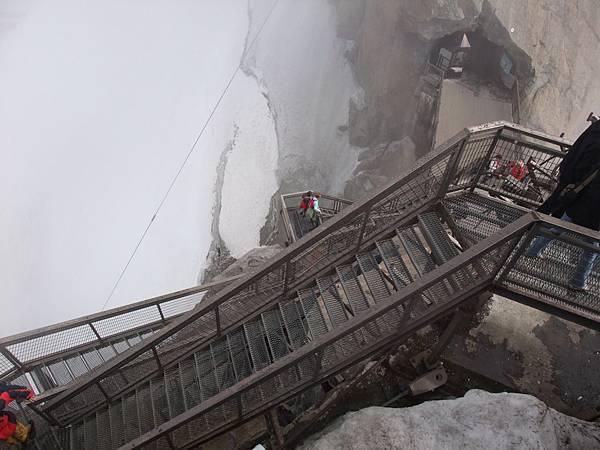 需要辛苦行走的樓梯