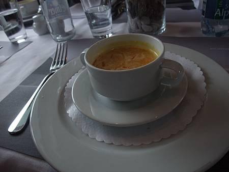 船上午餐1