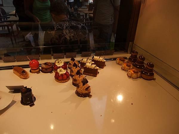 馬卡龍店的蛋糕
