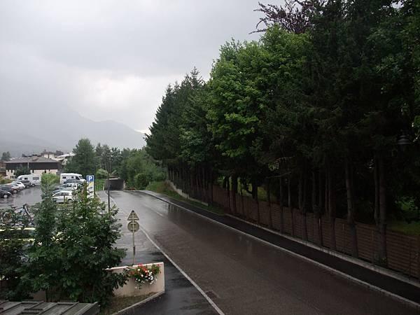 霞慕尼飯店外街道1