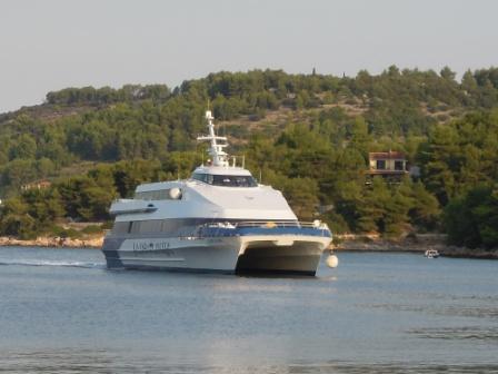往哈瓦爾島的船1