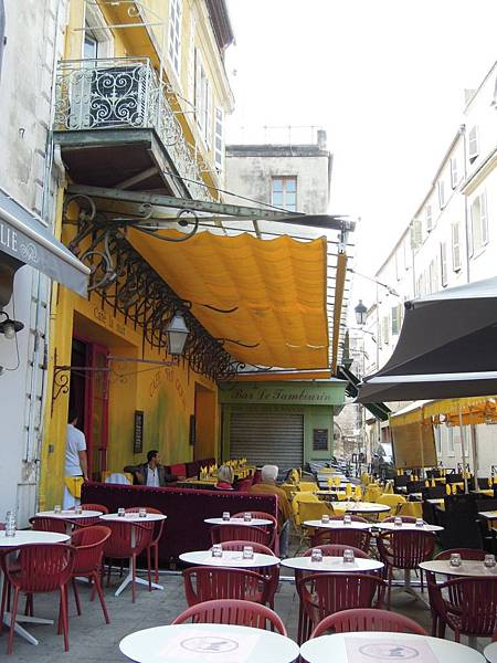亞爾-梵谷的畫3星空下的咖啡館