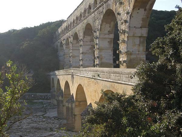 嘉德水道橋
