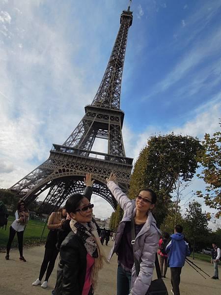 把艾菲爾鐵塔扶正吧 (1).JPG