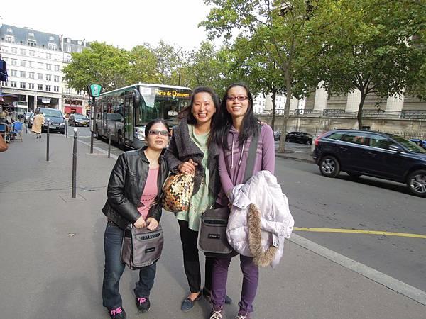 巴黎街道 (2).JPG