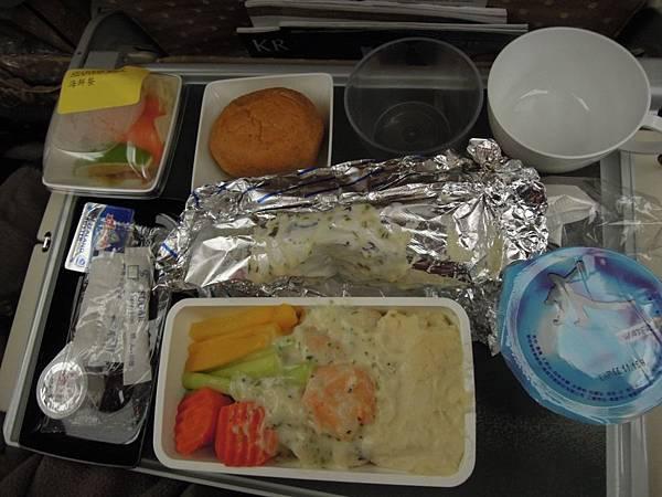 新加坡航空-往新加坡之飛機餐 (1).JPG