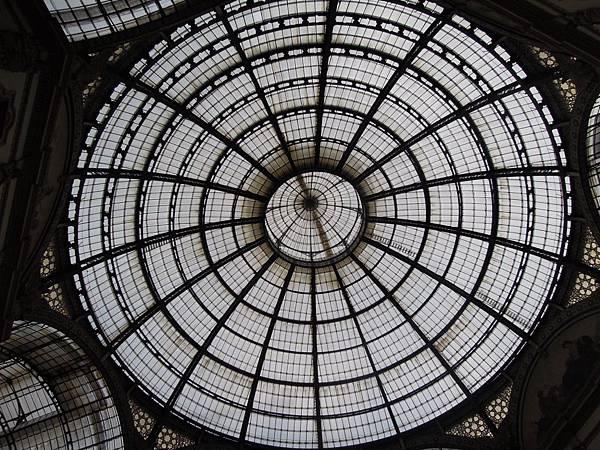 艾曼紐二世紀念迴廊 (1).JPG