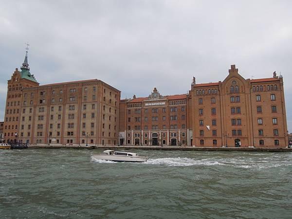 前往威尼斯的船上 (5).JPG