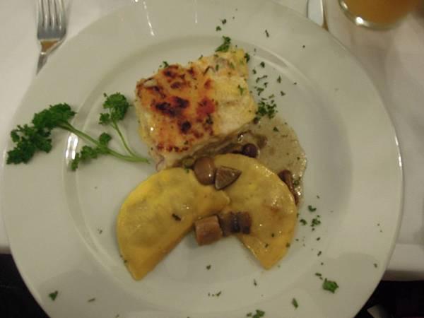 晚餐餐點 (1).JPG