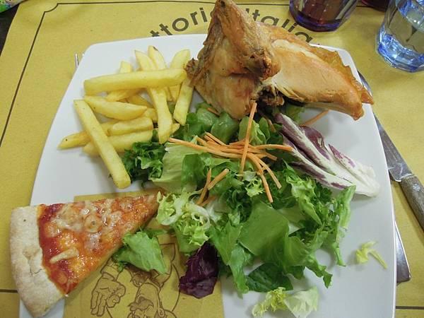 午餐餐點 (3).JPG
