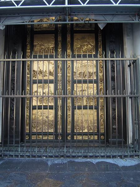 洗禮堂天堂門.JPG