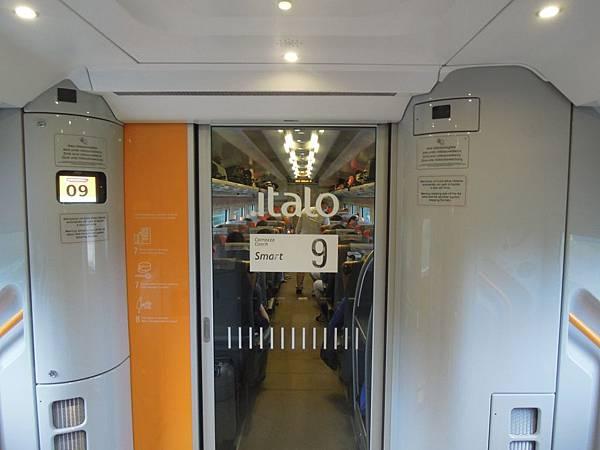 ITALO高速火車 (1).JPG