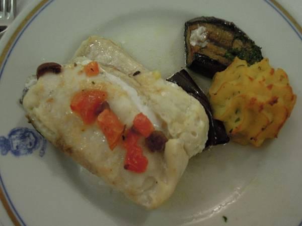 REGINA CRISTINA飯店晚餐餐點 (2).JPG