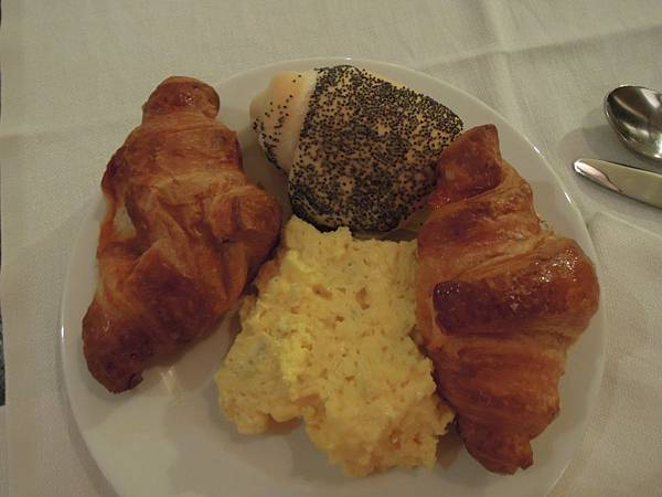 STARHOTELS TUSCANY飯店早餐.JPG