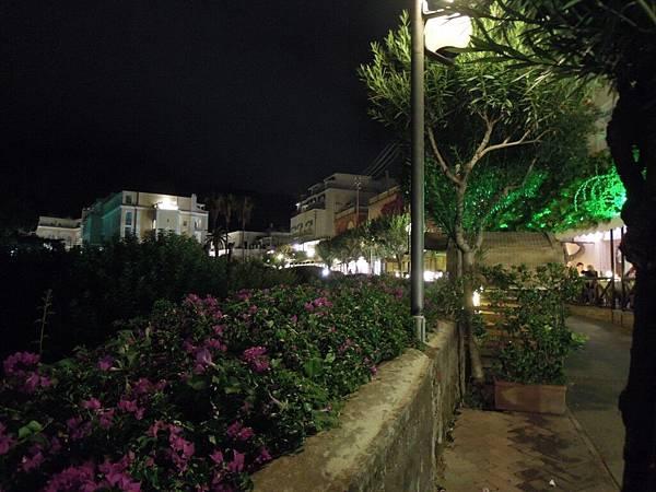 卡布里島的夜晚 (4).JPG