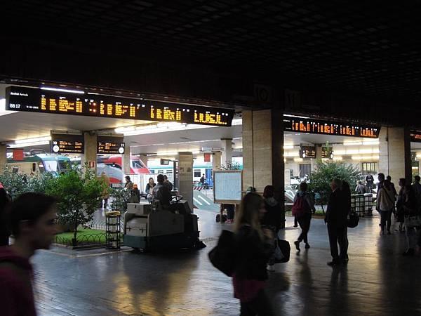 佛羅倫斯火車站 (1).JPG
