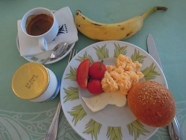 LE AGAVI飯店早餐.JPG