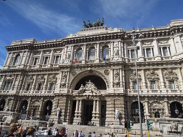 義大利最高法院 (1).JPG