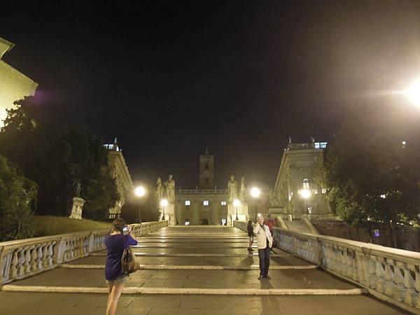 羅馬夜遊1 (1).JPG